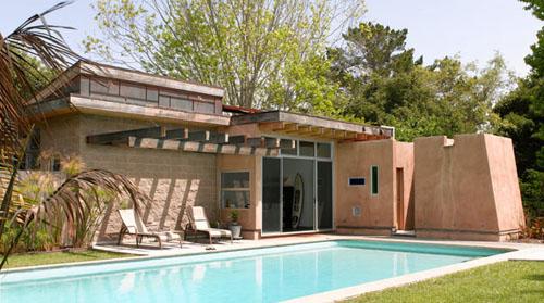 LSarc's Santa Cruz pool house (Photo: Ken Gutmaker)