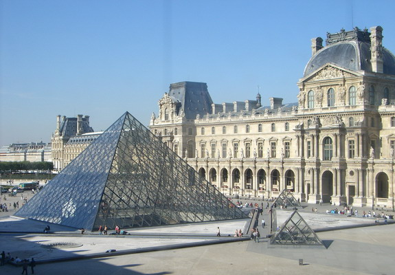 IM Pei's famous pyramid at the Paris Louvre juxtaposes old and new