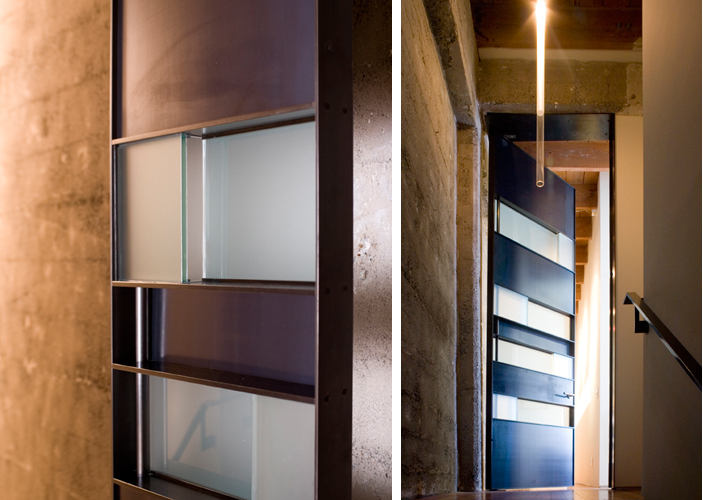 A door can double as a wall, a sculpture, and a visual destination. This door from Sand Studios is part of the Sand residence. Light in photo on the right is also a Sand design. Photo: Kenneth Probst Photograph