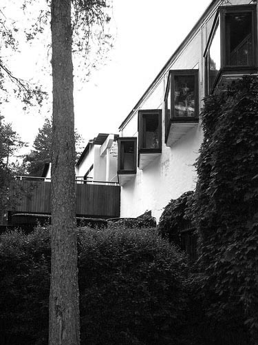 Alvar Aalto's Villa Mairea. Original color photo by Rafael Rybczynski.