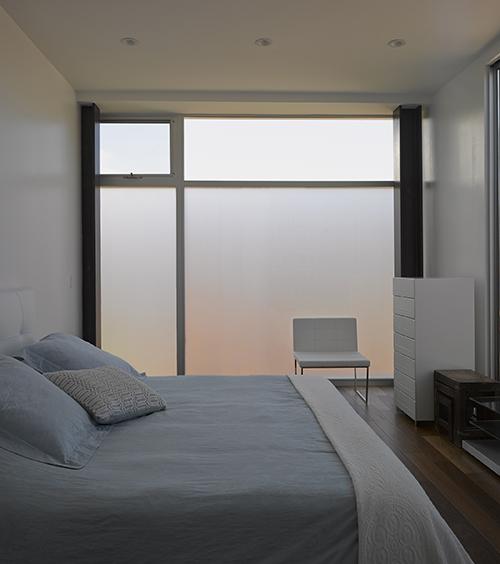 Mark Laguna master bed 1V.2 edit