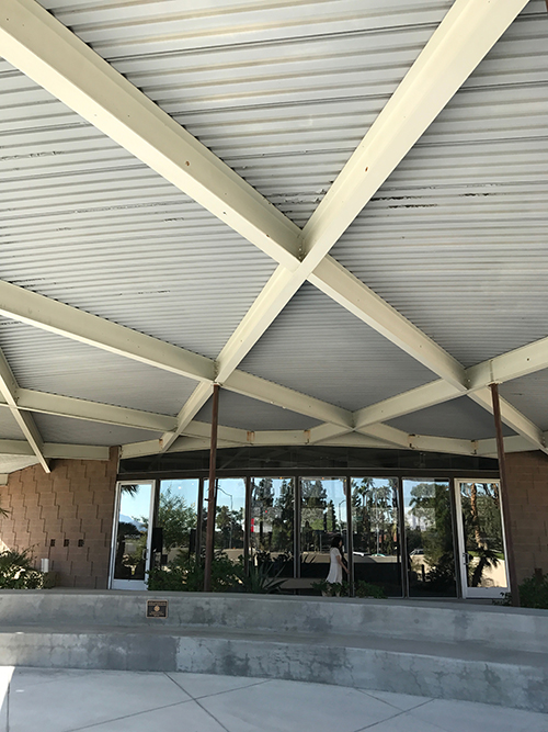 The Tramway Gas Station, architect Albert Frey, built 1965. Now housing the Palm Springs Visitor's Center. Image: Mark English Architects