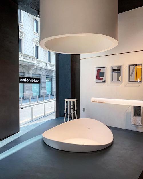 Cristalplant bathtub. Design Mario Ferrarini